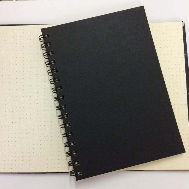 Caderno Pontilhado A5 - Capa Dura